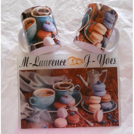 Planche à découper en verre DECOR Macaron + 2 Mugs